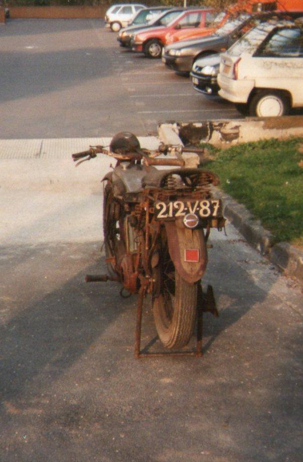 Terrot 350 ( 1930.....????....) petite resto à prévoir Img00110
