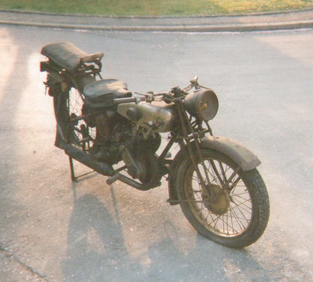 Terrot 350 ( 1930.....????....) petite resto à prévoir Img00210