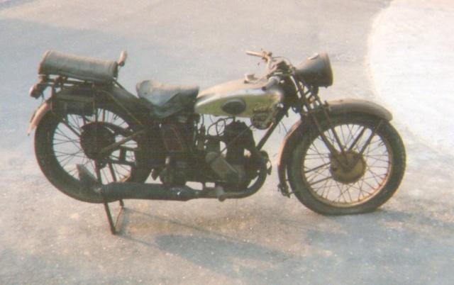 Terrot 350 ( 1930.....????....) petite resto à prévoir Img00510