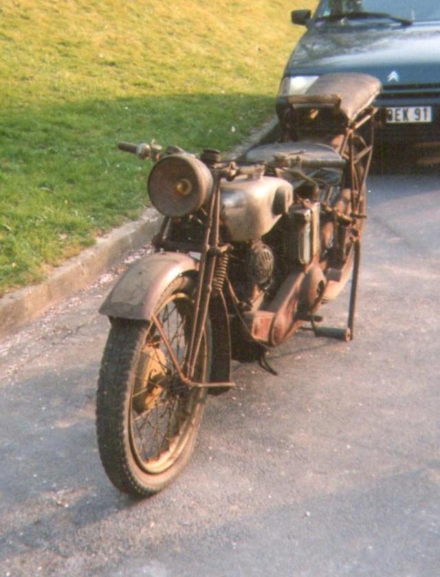 Terrot 350 ( 1930.....????....) petite resto à prévoir Img00610