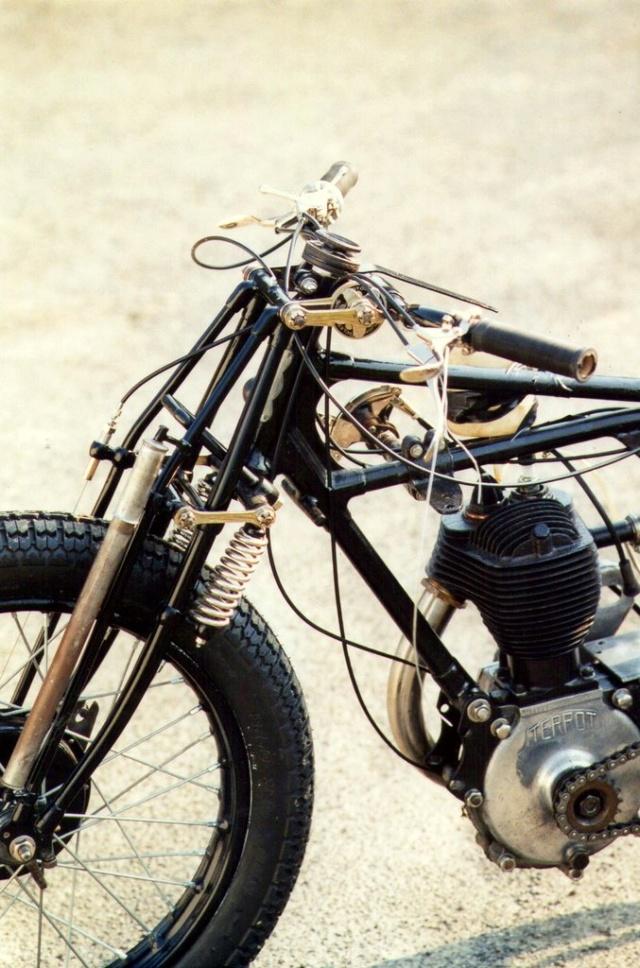Terrot 350 ( 1930.....????....) petite resto à prévoir Img01110