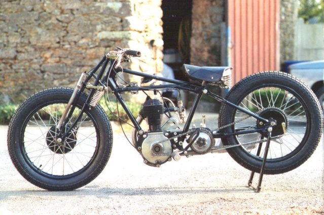 Terrot 350 ( 1930.....????....) petite resto à prévoir Img01310