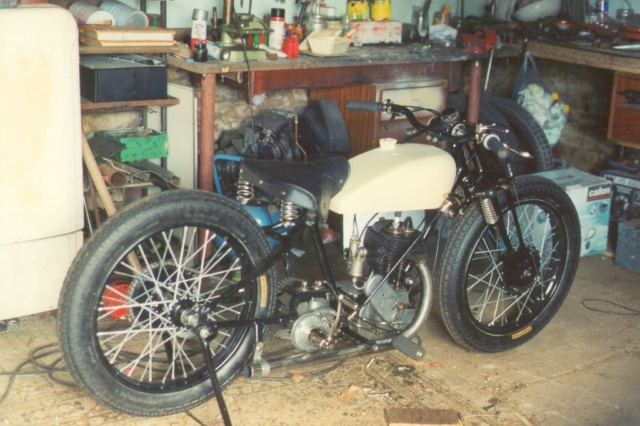 Terrot 350 ( 1930.....????....) petite resto à prévoir Img01410