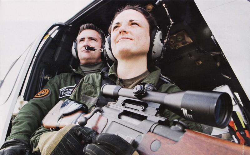 Les femmes militaires dans le monde...pour la paix???? Masa_o10