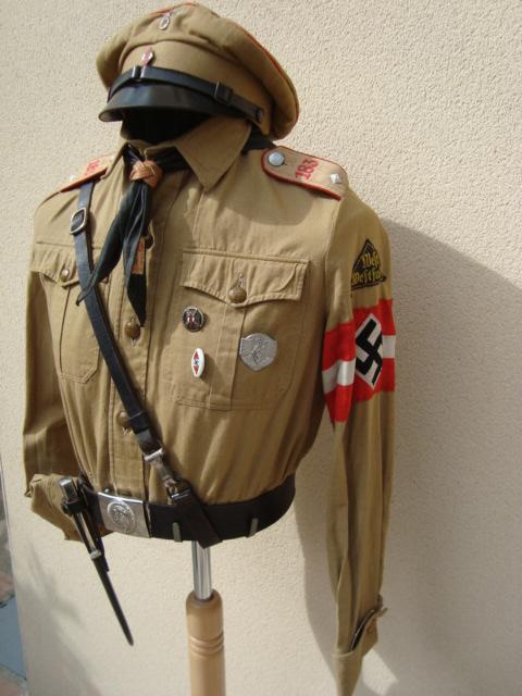 Les grades dans la Hitlerjugen Dsc00210