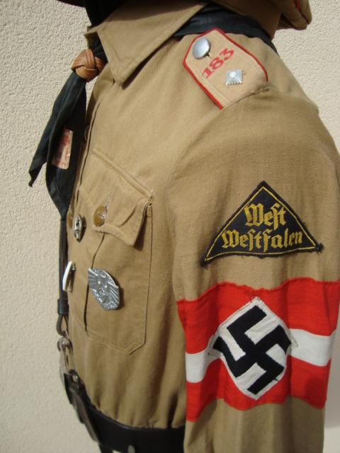 Les grades dans la Hitlerjugen Dsc00211