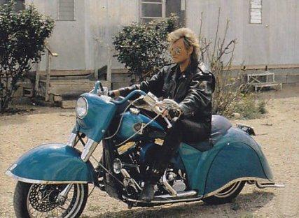L'HARLEY DAVIDSON SMET Moto_l19