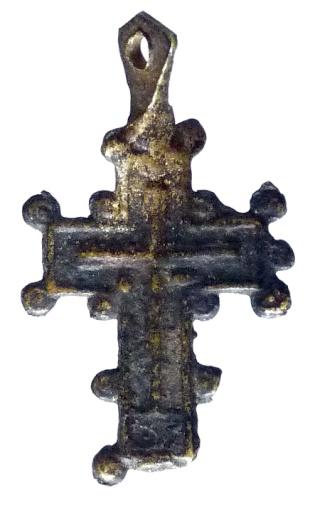 Cruz con pezuelos P1080011