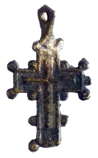 Cruz con pezuelos P1080013