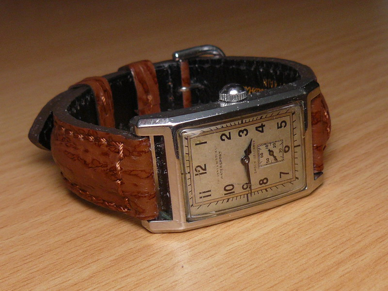 Petit historique d'une marque disparue: Tavannes P1020710