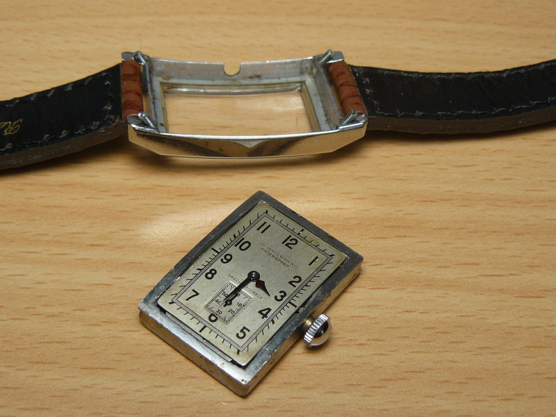 Petit historique d'une marque disparue: Tavannes P1020713