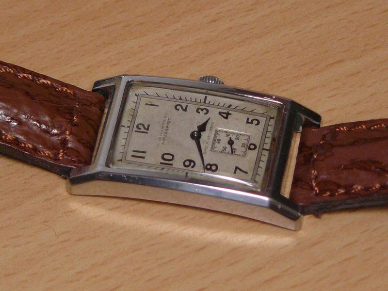 Petit historique d'une marque disparue: Tavannes P1020716