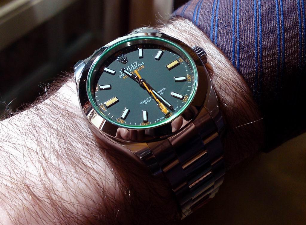 panerai - quels sont vos projets d achats  montres pour 2010? - Page 8 Olivie10