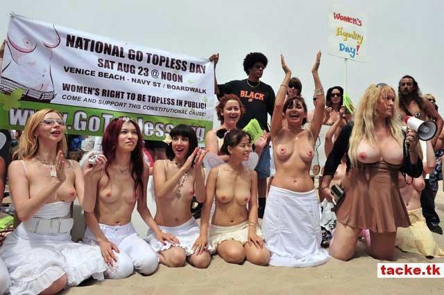biểu tình đòi quyền được cởi trần ở Mĩ 710