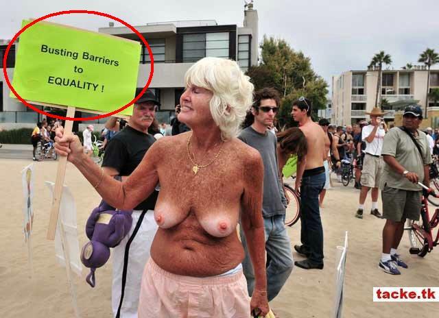 biểu tình đòi quyền được cởi trần ở Mĩ Untitl10