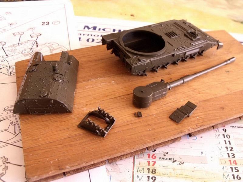 """REVELL 1/72 SLT50-3 """" ELEFANT """" ET Sa aNH.52 T , avec le Panzerhaubitze 2000 et le Fennek dans la même boite - Page 2 Dscf1422"""