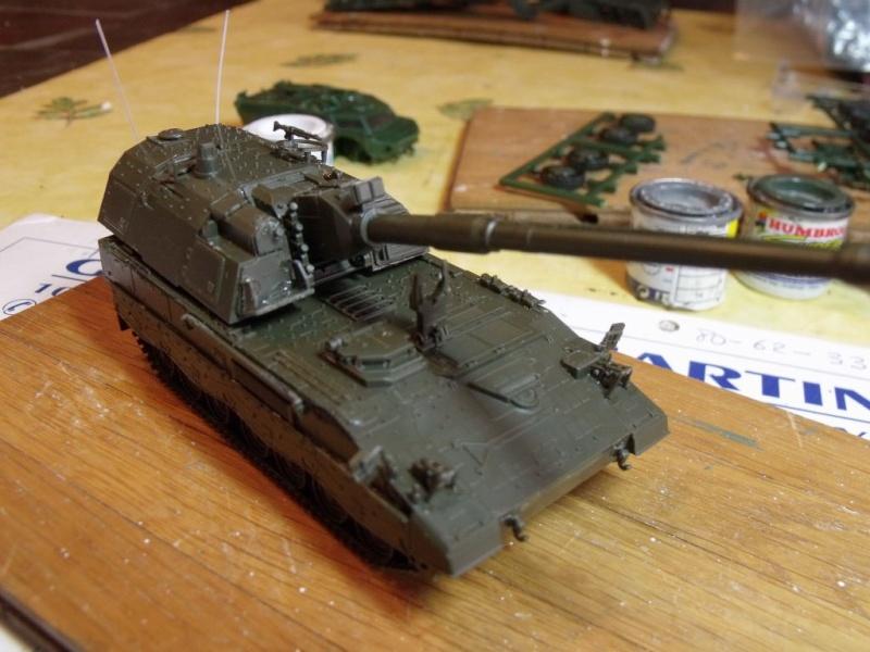 """REVELL 1/72 SLT50-3 """" ELEFANT """" ET Sa aNH.52 T , avec le Panzerhaubitze 2000 et le Fennek dans la même boite - Page 2 Dscf1429"""