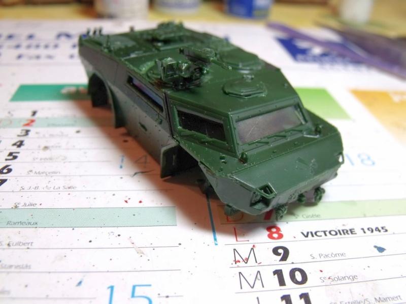 """REVELL 1/72 SLT50-3 """" ELEFANT """" ET Sa aNH.52 T , avec le Panzerhaubitze 2000 et le Fennek dans la même boite - Page 2 Dscf1432"""