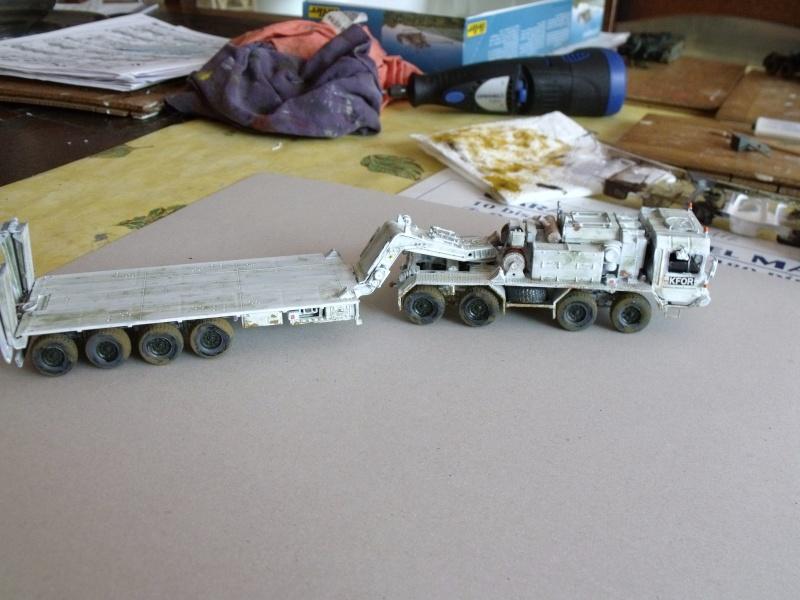 """SLT50-3 """" ELEFANT """" ET Sa aNH.52 T , avec le Panzerhaubitze 2000 et le Fennek REVELL 1/72 - Page 2 Dscf1622"""