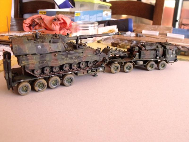 """SLT50-3 """" ELEFANT """" ET Sa aNH.52 T , avec le Panzerhaubitze 2000 et le Fennek REVELL 1/72 - Page 2 Dscf1627"""