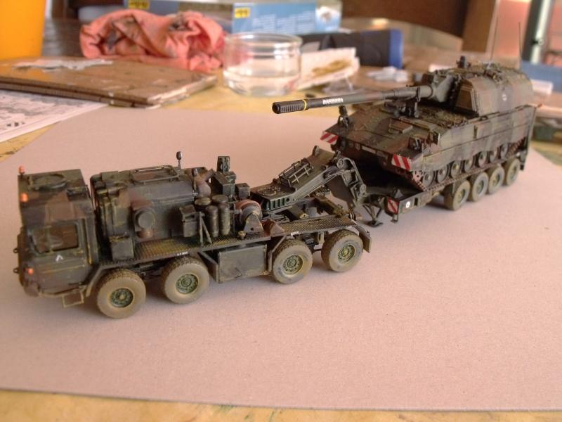 """SLT50-3 """" ELEFANT """" ET Sa aNH.52 T , avec le Panzerhaubitze 2000 et le Fennek REVELL 1/72 - Page 2 Dscf1628"""