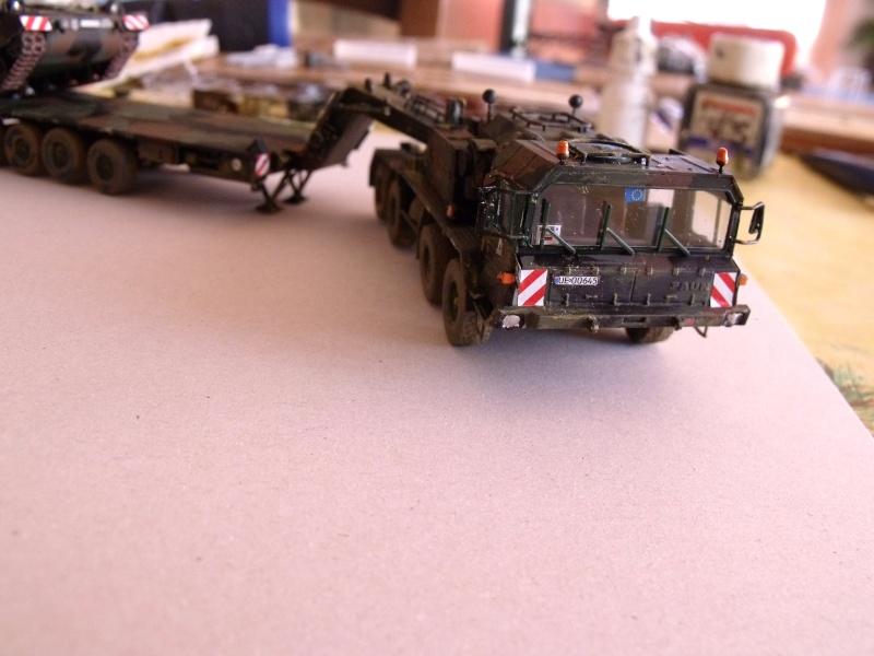 """SLT50-3 """" ELEFANT """" ET Sa aNH.52 T , avec le Panzerhaubitze 2000 et le Fennek REVELL 1/72 - Page 2 Dscf1631"""