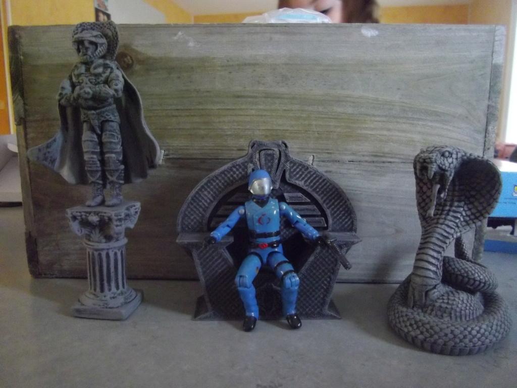 trône et statue Imgp8925