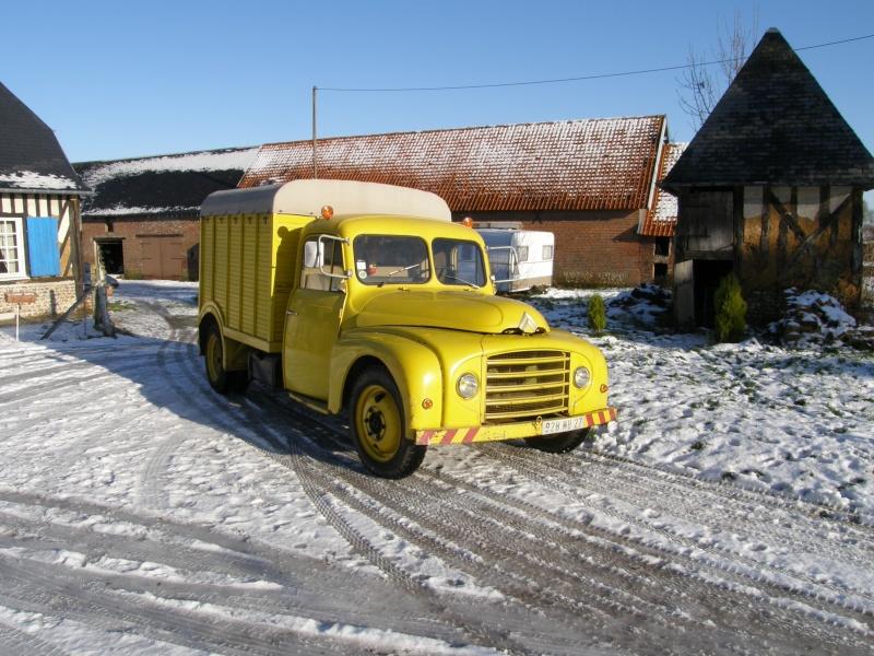 Utilitaire Citroën sous la neige Pc200010