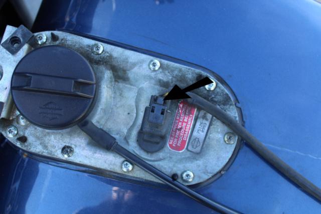 Objet tombé dans le réservoir de l'électra Img_3012