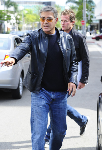George Clooney George Clooney George Clooney! - Page 7 1310