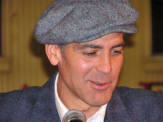 George Clooney George Clooney George Clooney! - Page 4 20080310