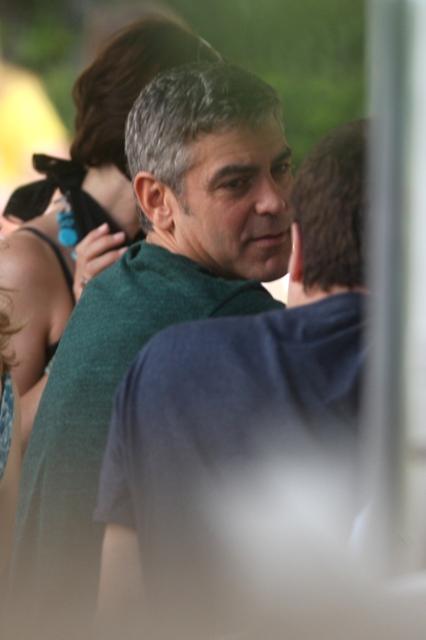 George Clooney George Clooney George Clooney! - Page 4 Cloone11