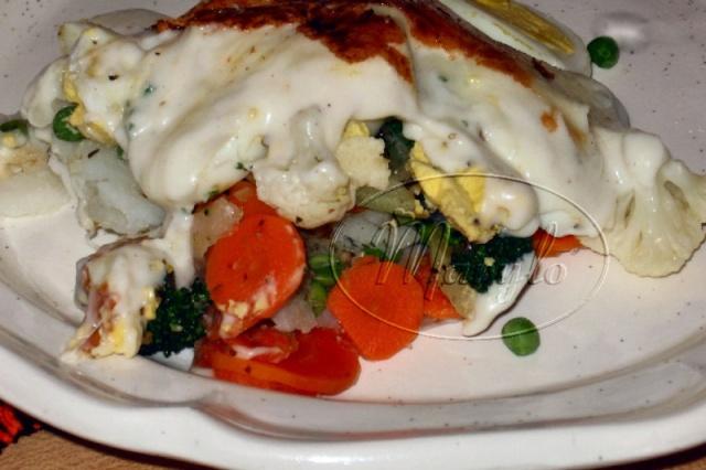 Casserole d'oeufs et de légumes, gratinée 1a1110