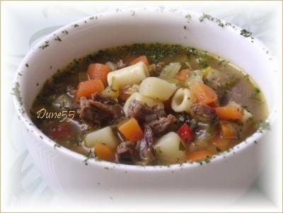 Soupe de cubes de boeuf aux légumes Soupe11