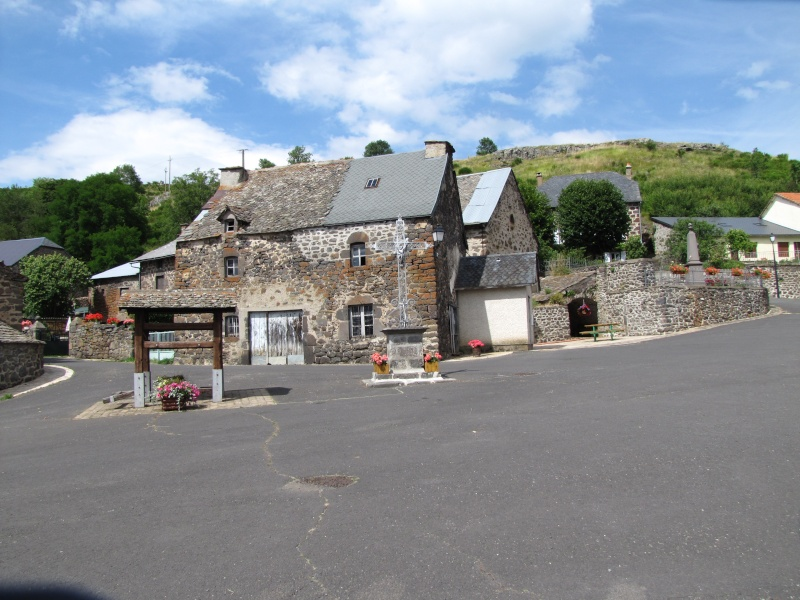 Village de Charmensac... Img_0015