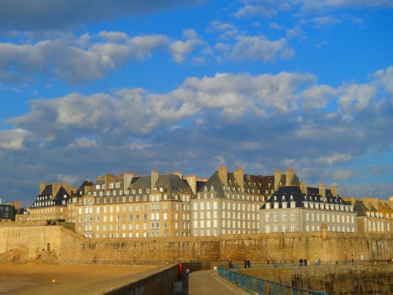 Si vous êtes de passage à Saint Malo ..... Pb160810