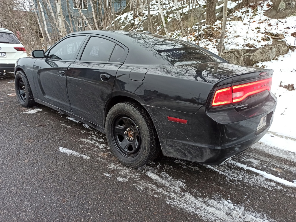 dodge charger 3.6 AWD 2011 Img_2119