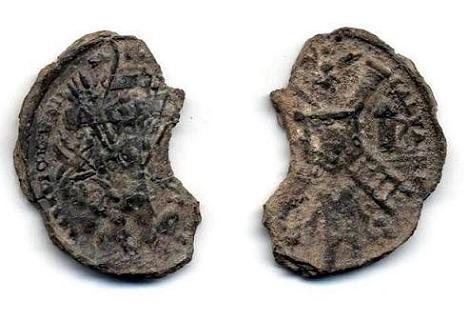 """Reste de médaille """"Arma cristi"""" = pilori/echelle/linge avec Ste-face du Christ - XVII/VIIIème. Plaque10"""