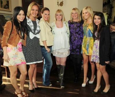 Jennifer Tisdale's Babyparty [09-01-10] Norm1262