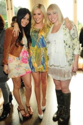 Jennifer Tisdale's Babyparty [09-01-10] Norm1265