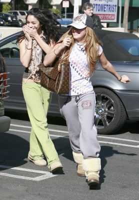[01.16] Going to Pilates Class with Ashley Tisdale Norm1735