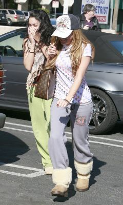 [01.16] Going to Pilates Class with Ashley Tisdale Norm1736