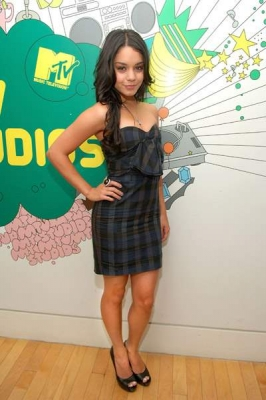 at MTV`s TRL Norma537