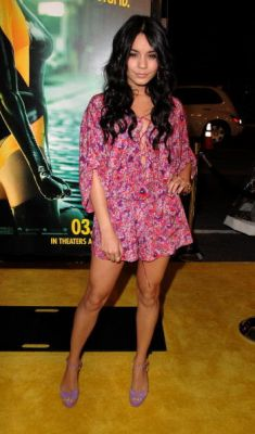 Nessa at Watchman Premiere - Page 2 Normal64
