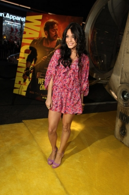 Nessa at Watchman Premiere - Page 2 Normal70