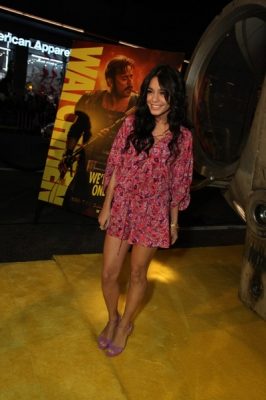 Nessa at Watchman Premiere - Page 2 Normal71