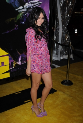 Nessa at Watchman Premiere - Page 2 Normal75