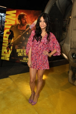 Nessa at Watchman Premiere - Page 2 Normal77