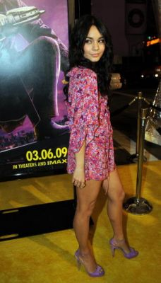 Nessa at Watchman Premiere - Page 3 Normal94