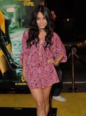 Nessa at Watchman Premiere - Page 3 Normal99